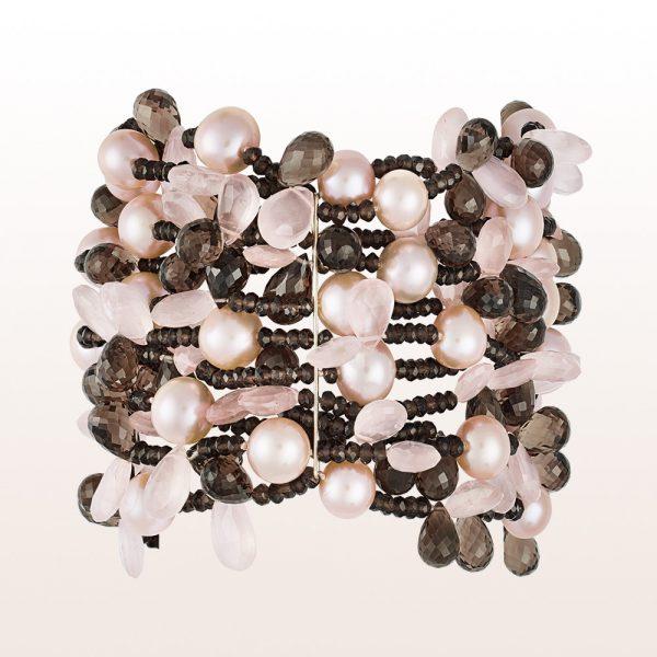 Armband mit Rauchquarz, Perlen, Rosenquarz und einer 18kt Gelbgold Stegschließe