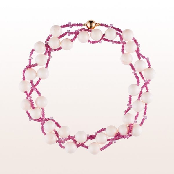 Necklace with white coral, pink sapphire and an 18kt rose gold clasp
