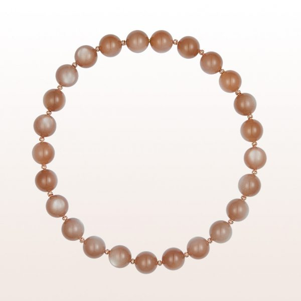 Necklace with brown moonstone, brown brilliant cut diamonds and an 18kt rose gold clasp