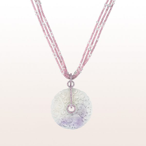 Pendand with lavender jade, pink sapphires and brilliant cut diamonds on a necklace with pink sapphires and diamond-rondels with an 18kt white gold diamond clasp