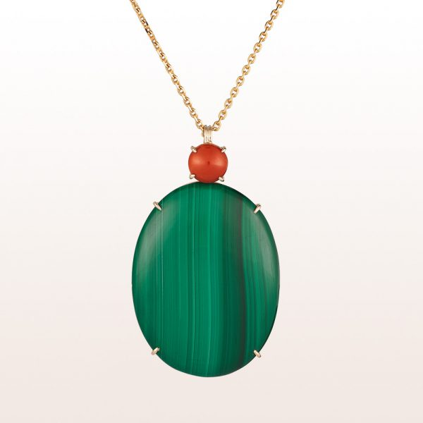 Pendant with malachite and coral on a necklace in 18kt yellow gold