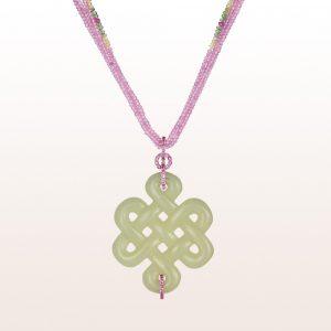 Anhänger mit Jade und rosa Saphir 0,76ct auf einem Collier mit rosa Saphir, rosa Apatit, Chrysoberyll und Brillanten mit einer 18kt Weißgold Brillantschließe