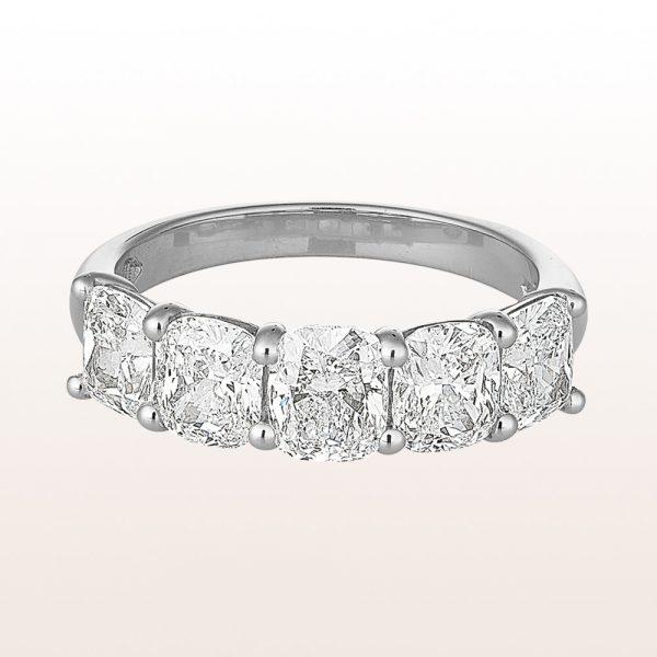 Ring mit Cushion cut Diamanten 2,92ct in Platin