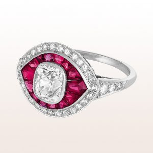 Ring mit Cushion cut Diamant 2,00ct und Rubine in Platin