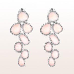 Ohrgehänge mit Korallen und Diamanten 1,98ct in 18kt Weißgold