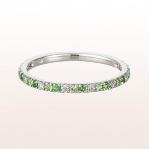 Ring mit Tsavoriten und Diamanten in 18kt Weißgold