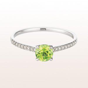 Ring mit Peridot und Diamanten in 18kt Weißgold