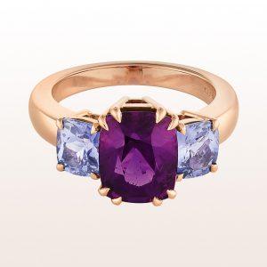 Ring mit Rhodolith 4,58ct und violtette Saphire 2,07ct in 18kt Roségold