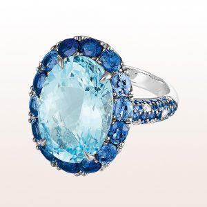 Ring mit Topas 13,20 ct, Saphire 3,87 ct und Brillanten 0,15 ct in 18kt Weißgold