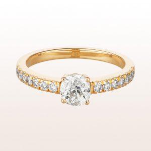 Ring mit Altschliff-Diamant 0,76ct und Brillanten 0,27ct in 18kt Gelbgold