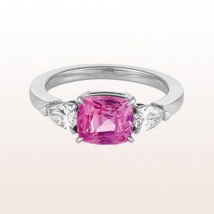 Ring mit rosa Saphir 2,46ct und zwei Tropfen-Diamanten 0,48ct in 18kt Weißgold