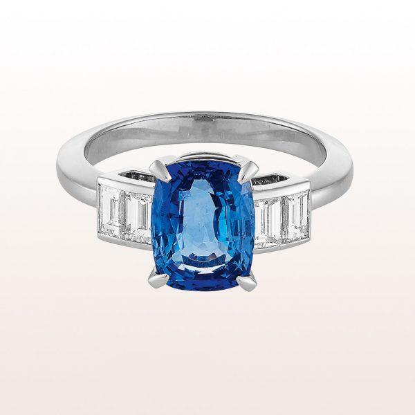 Ring mit Saphir 3,38ct und Baguette-Diamanten 1,16ct in 18kt Weißgold
