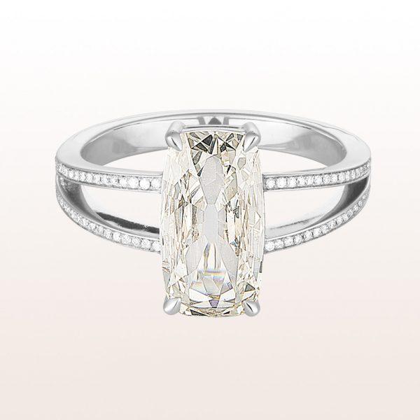 Ring mit cushion cut Diamant 2,03ct und Brillanten 0,30ct in 18kt Weißgold