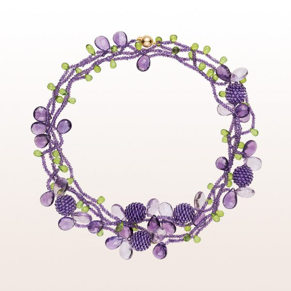 Necklace with amethyst and peridot and an 18kt yellow gold clasp