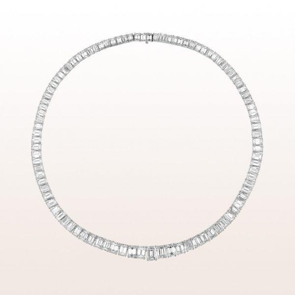 Necklace with emerald cut diamonds 56,20ct in platinum