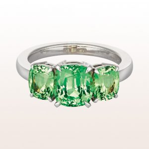 Ring with tsavorite 4,45ct in 18kt white gold
