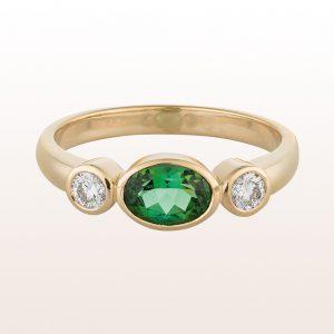 Ring mit grünem Turmalin 0,81ct und Brillanten 0,24ct in 18kt Gelbgold