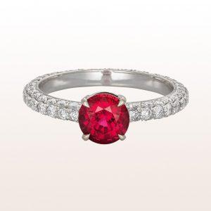 Ring mit Rubin 1,67ct und Brillanten 1,21ct in 18kt Weißgold
