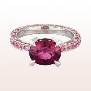 Ring mit Rhodolith 3,76ct und rosa Saphir 1,80ct in 18kt Weißgold