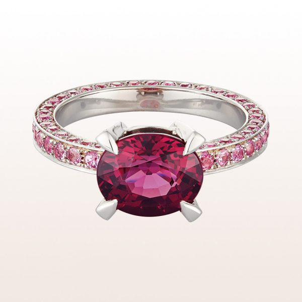 Ring with rhodolite 3,76ct and pink sapphire 1,80ct in 18kt white gold