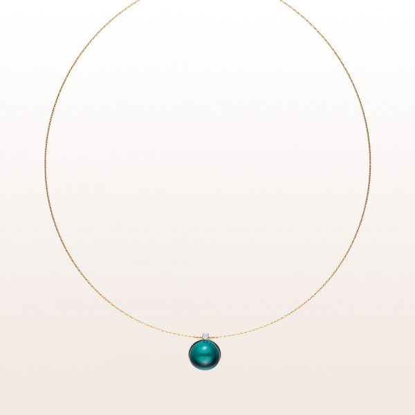 Necklace with topaz cabochon 5,00ct and brilliant cut diamonds 0,03ct in 18kt yellow gold
