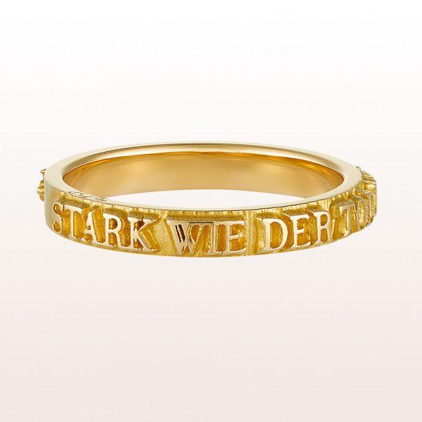 """Ring """"Bibel"""" von Designer Sebastian Menschhorn mit Bibelspruch aus 18kt Gelbgold"""