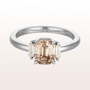 Ring mit fancy brown Diamant 2,03ct und Baguette-Diamanten 0,21ct in 18kt Weißgold