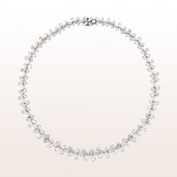 Necklace with navette-diamonds 37,47ct in platinum