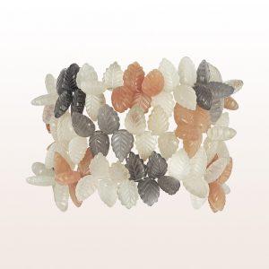 Armband mit weißen, orange, grauen Mondsteinbättern und 18kt Weißgold Klappschließe.