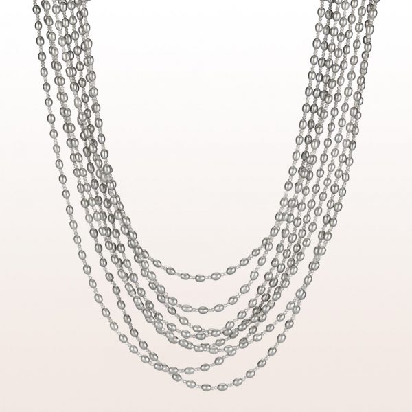 Necklace with gray cultured pearls, labradorite and an 18kt white gold clasp