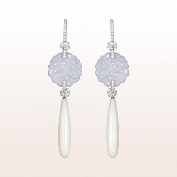 Ohrgehänge mit Lavendeljade, weißer Koralle und Brillanten 1,08ct in 18kt Weißgold