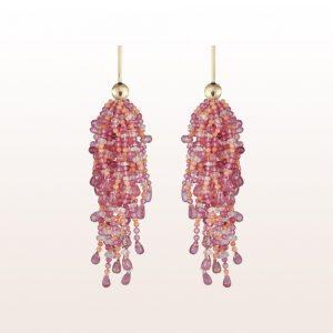 Ohrgehänge mit Koralle, rosa Saphir, Rubellit und roter Spinell in 18kt Gelbgold
